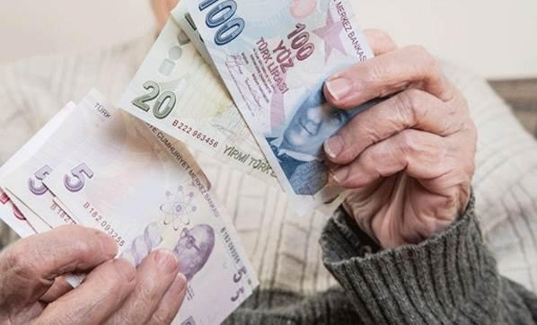 Emekliler bayram ikramiyesini 31 Mayıs'ta alacak