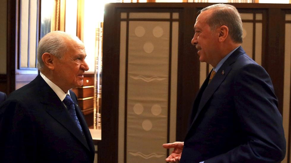 AKP'den yerel seçimlerin ardından yasal düzenleme arayışı