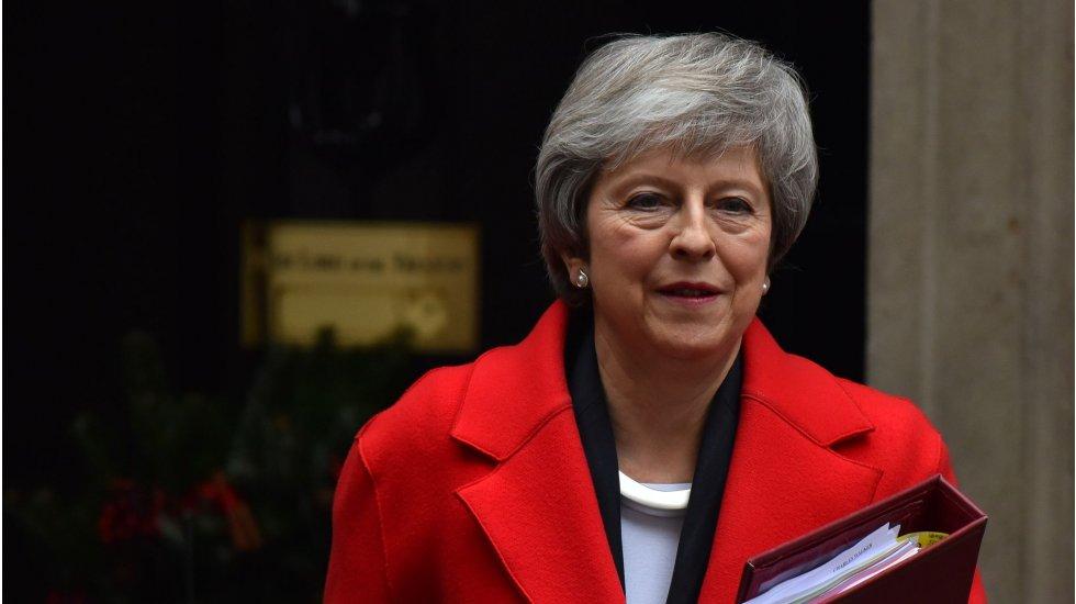 Brexit'de karmaşa sürüyor