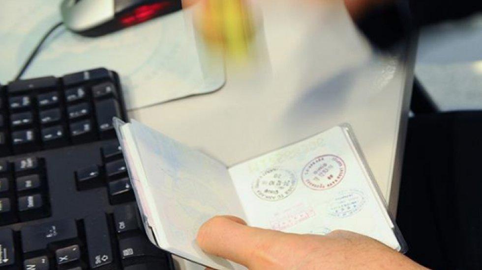 KHK ile ihraç edilen akademisyenler pasaport için başvuracak