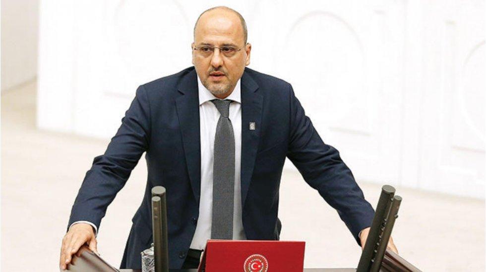 Ahmet Şık, 'hâkim ve savcı olarak atanan AKP'lilerin listesi'ni açıkladı