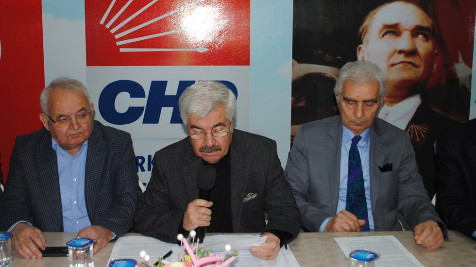 Menemenli eski başkanlardan Serdar Aksoy'a destek