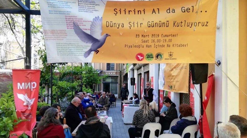 Mülteci ve Türkiyeli şairler Şiir Günü'nde İzmir'de buluştu