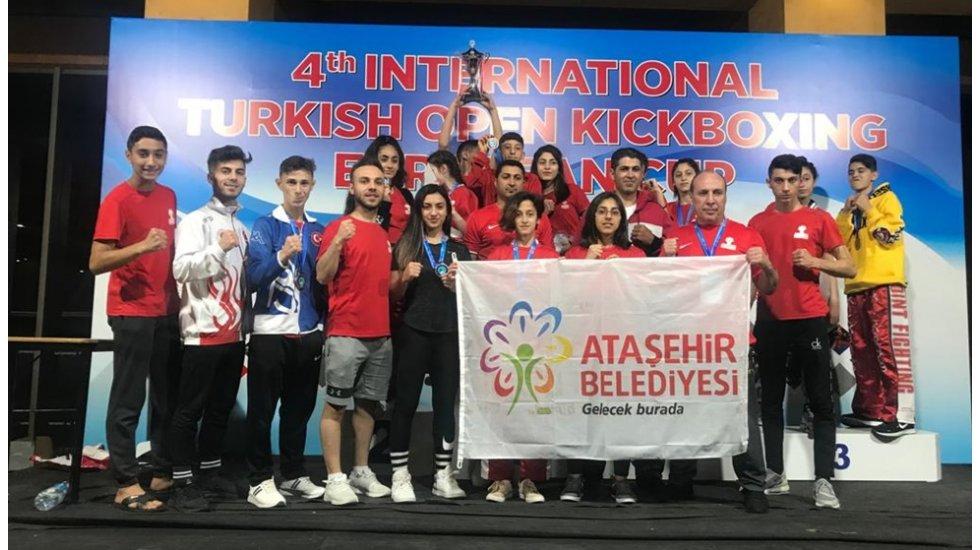 Ataşehirli Kick Bokscuların büyük başarısı