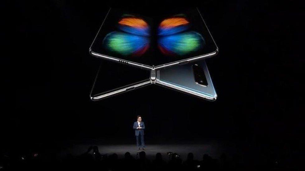 Samsung Galaxy Fold'un çıkş tarihini erteledi