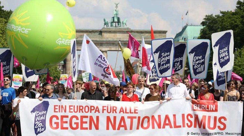 Avrupa'da aşırı sağ ve sağ popülizm karşıtı gösteriler düzenlendi