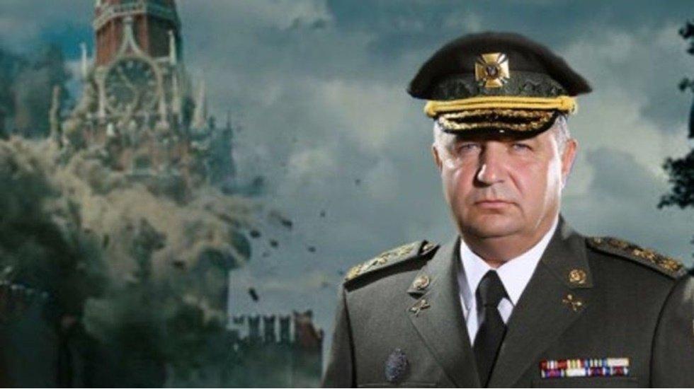 Ukrayna Savunma Bakanı 'temsili bombalanmış Kremlin' fonunda poz verdi