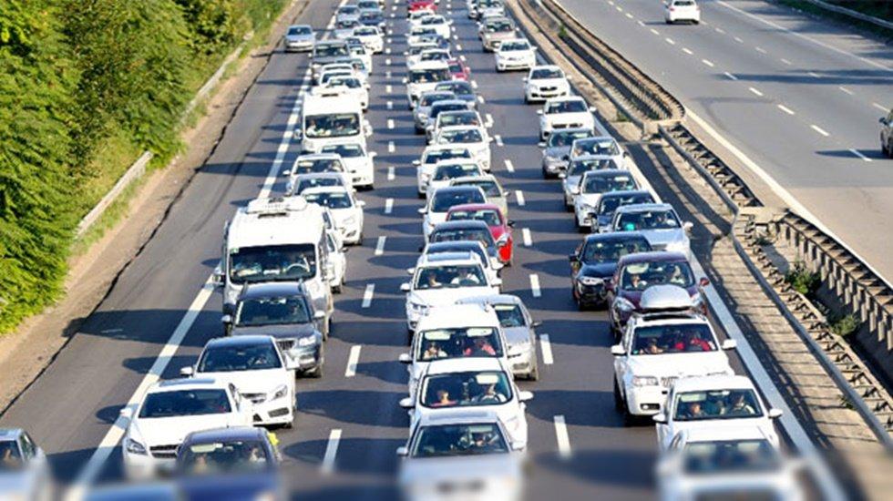 3,7 km yavaşlayan trafiğimizin yanı sıra 6 TL zararımız var…