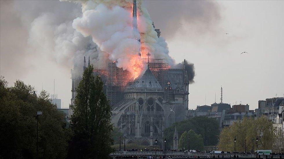 Notre Dame'daki yangının sebebi açıklandı