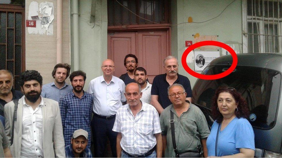 Orhan Kemal'in Unkapanı'nda oturduğu evine engellemelere rağmen tabelası konuldu