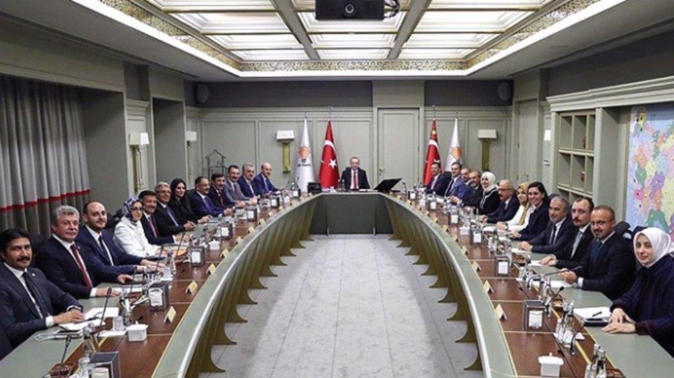 AKP'li vekil'den itiraf: MYK üyeleri Cumhurbaşkanı ile yapılan toplantılarda susuyor
