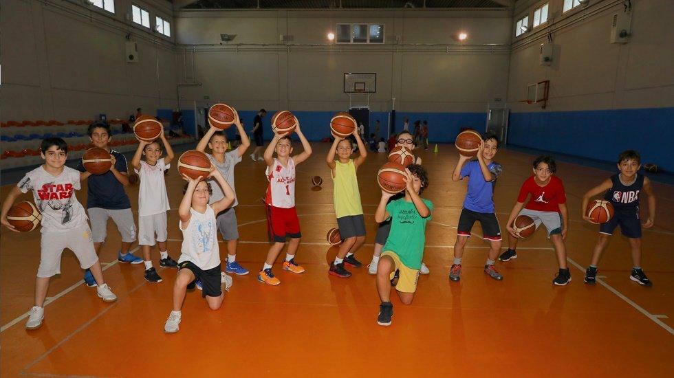 İBB Yaz Spor Okulları'nda 12 bin çocuk ücretsiz eğitim görüyor