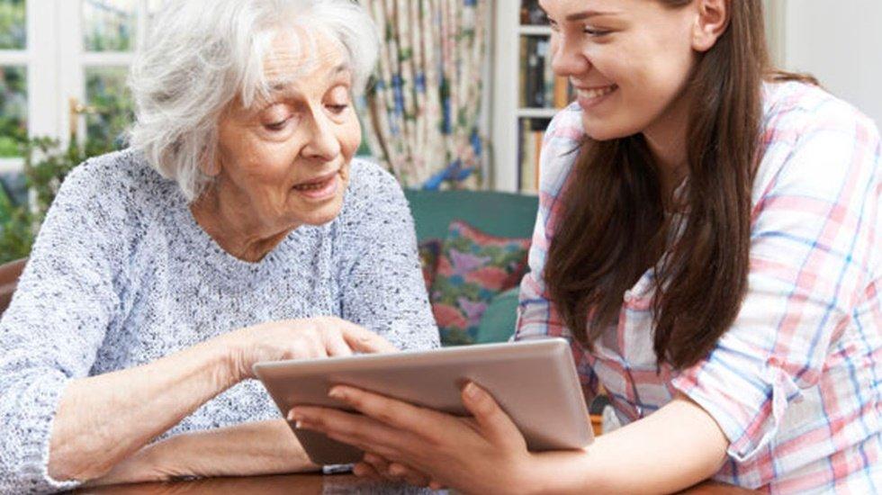 Torun desteği yaşlılarda İnternet Kullanımını 4 kat Artırdı