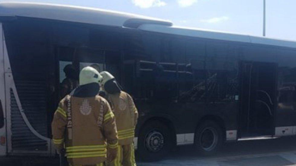 Avcılar'da metrobüs yangını