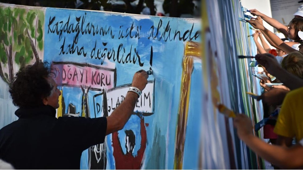 Bedri Baykam Kaz Dağlarının Resmini Çocuklarla Yaptı