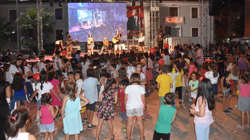 Başkan Aksoy'dan çocuklara özel gün
